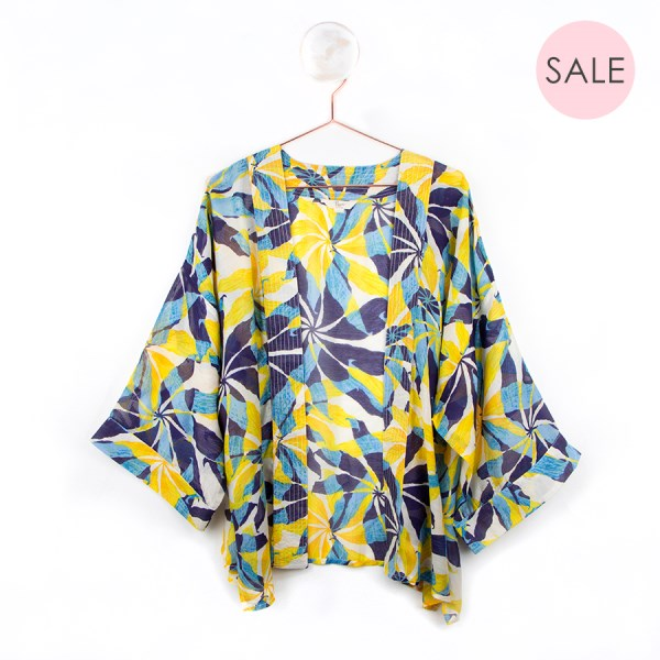 Yellow and blue kimono with a graphic flower print | Image 1