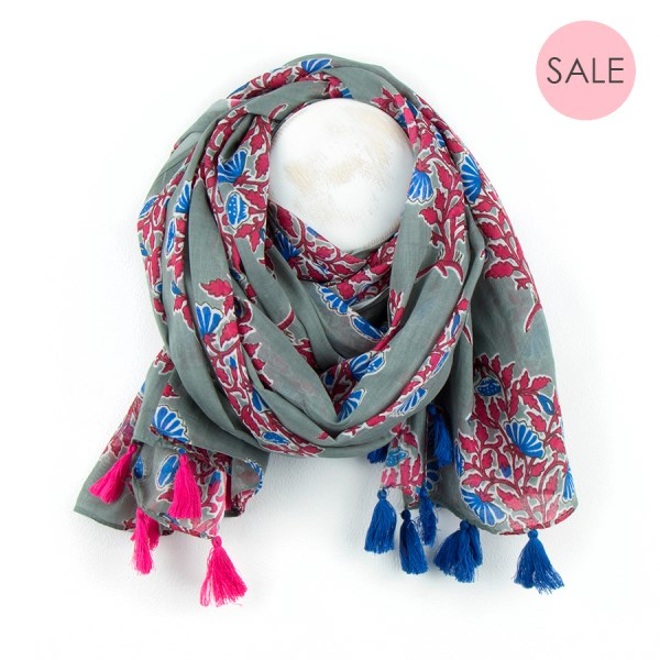 Grey cotton scarf with pink floral print and tassels | Image 1