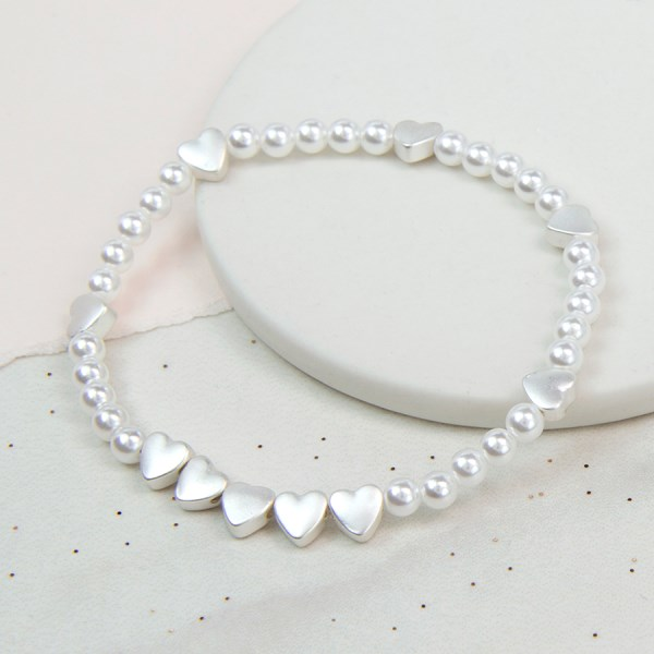 Faux pearl bracelet with silver plated heart beads | Image 1