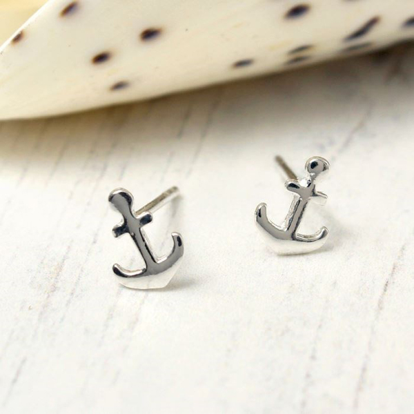 Sterling silver anchor stud earrings | Image 1