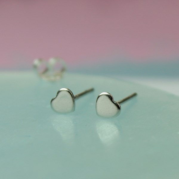 Sterling silver little heart stud earrings | Image 1