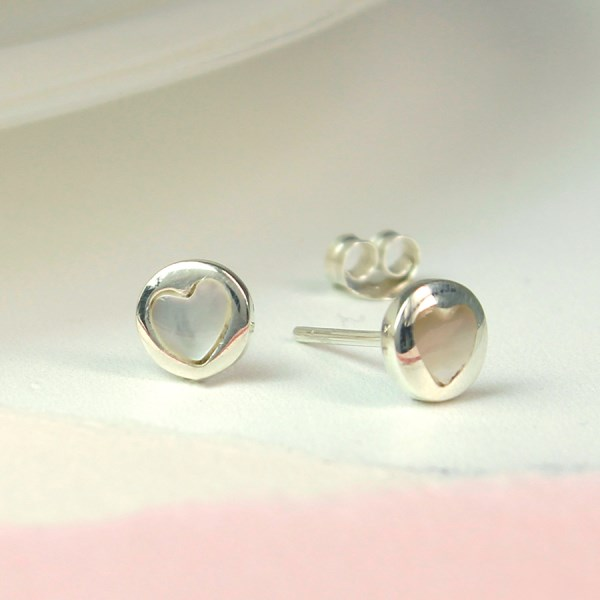 Sterling silver and pearl heart stud earrings | Image 1