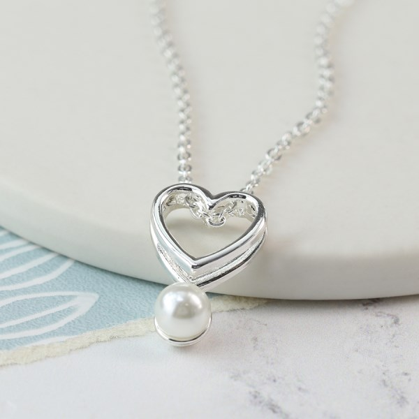 Silver plated double heart necklace with white pearl | Image 1