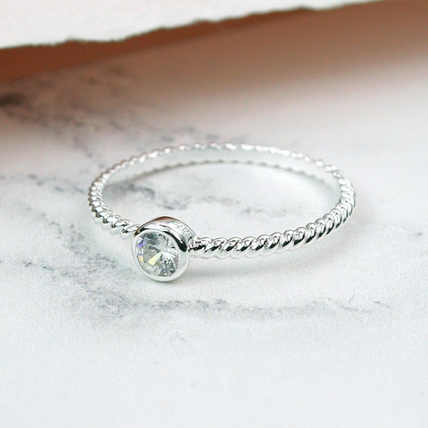 Sterling silver twisted band ring with a faceted crystal | Image 1