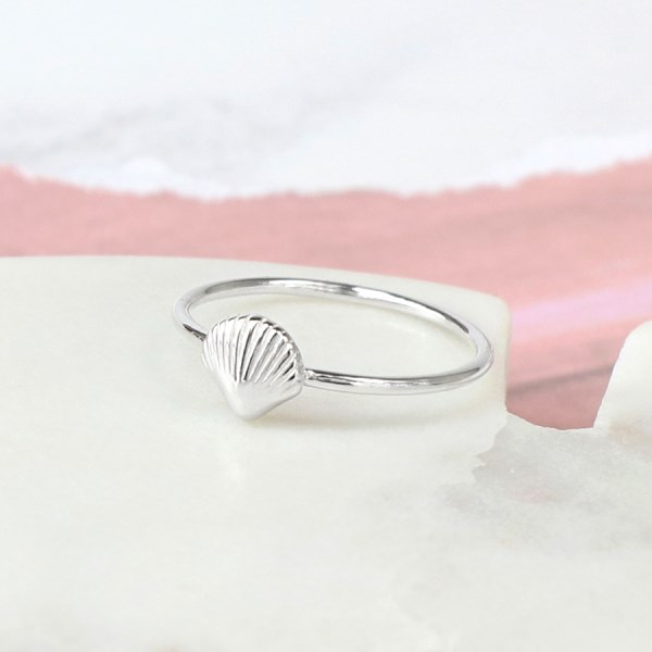 Sterling silver fine band ring with clam shell | Image 1