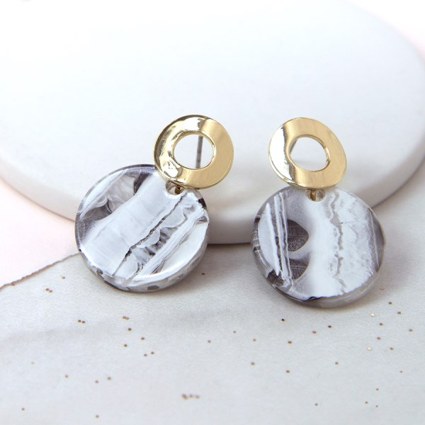 Striped agate disc stud earrings with golden hoops | Image 1