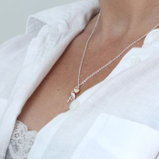 Silver plated necklace with a flamingo and golden heart | Image 7