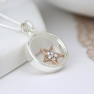 Silver plated circle necklace with crystal star | Image 4
