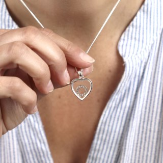 Silver plated heart necklace with a crystal circle | Image 6