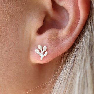 Silver plated seed leaf stud earrings | Image 5