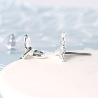 Silver plated whale tail stud earrings | Image 2