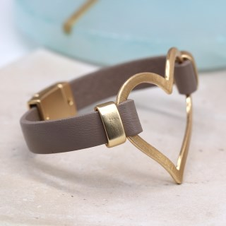 Taupe leather bracelet with a large scratched golden heart | Image 2