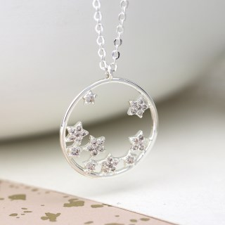 Silver plated circle and crystal stars necklace | Image 4