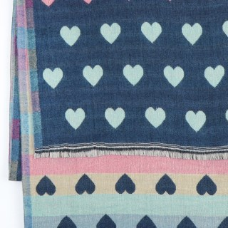 Reversible pastel and denim blue jacquard heart scarf | Image 4