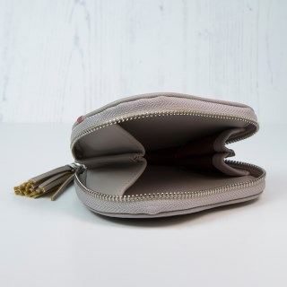 Taupe grey heart shaped purse with embroidery and tassel | Image 2