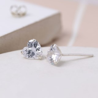 Faceted clear crystal heart shape stud earrings | Image 2