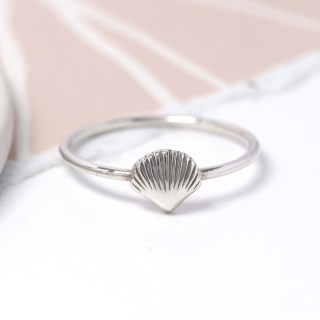 Sterling silver fine band ring with clam shell | Image 3