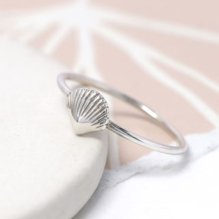 Sterling silver fine band ring with clam shell | Image 4