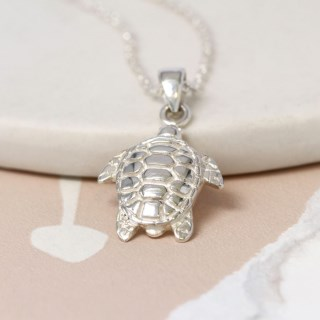 Sterling silver sea turtle necklace with fine silver chain | Image 3