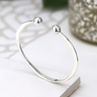 Sterling silver torq bangle with knife edge design | Image 2