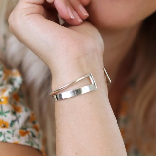 Sterling silver bangle with crossover design and square edges | Image 4